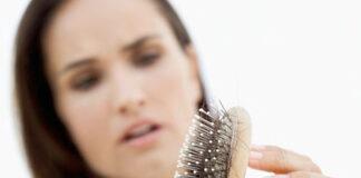 Jak radzić sobie z wypadaniem włosów
